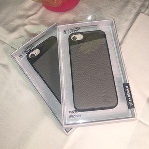 iPhone 7 Penguin Grey Case